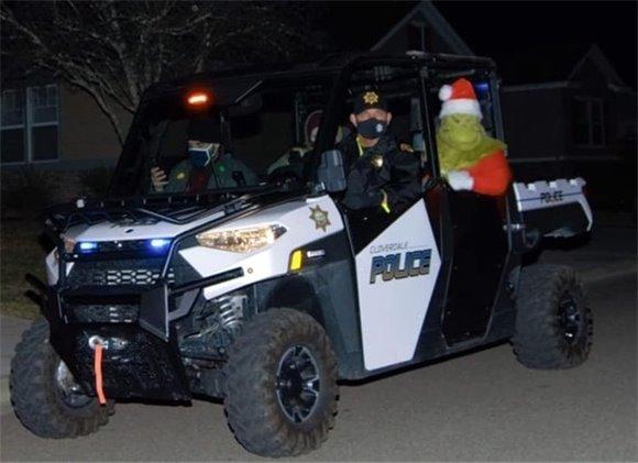 Chief Ferguson and Mayor Turner apprehend the Grinch